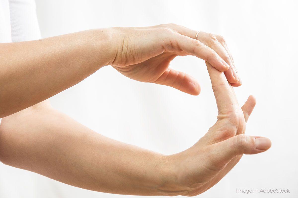 exercicio laboral nas mãos