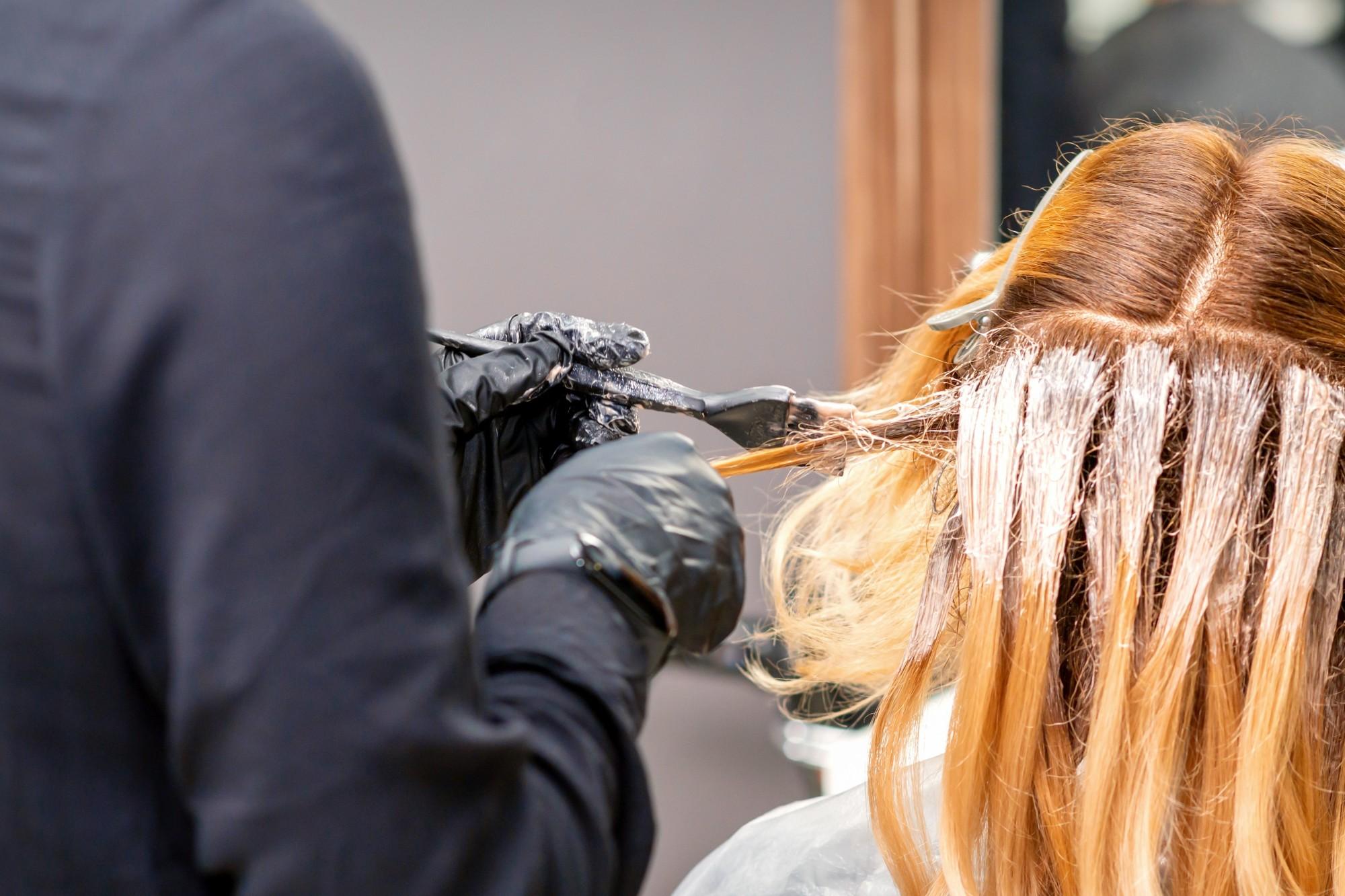 Tonalizante ou tinta: o que agride menos o cabelo?